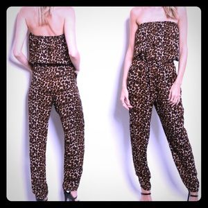 """The """"Lucy"""" -Animal print strapless jumper !!!"""